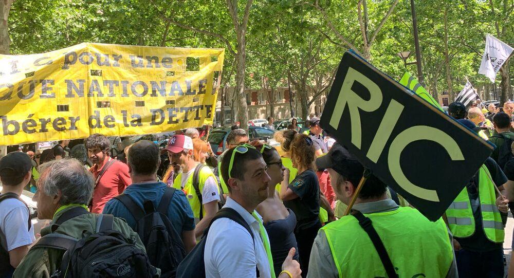 Les Gilets jaunes continuent à manifester à Paris après les élections européennes