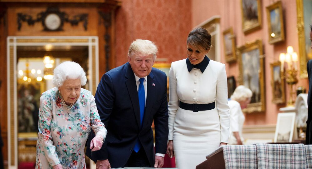 Élisabeth II, Melania et Donald Trump