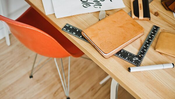 Une table de travail - Sputnik France