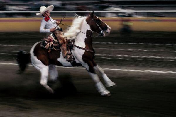 Etre jeune à Charreria du photographe mexicain Jeoffrey Guillemard, finaliste dans la catégorie sport, série de photos. - Sputnik France