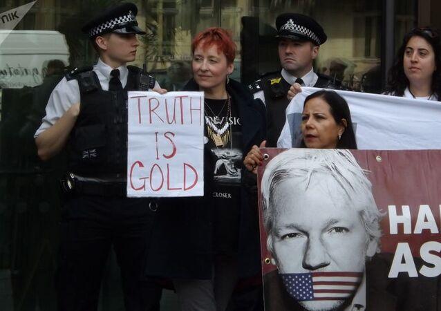 Protestation contre l'extradition de Julian Assange vers les USA