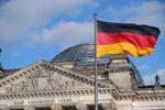 Drapeau allemand devant le Reichstag, Berlin