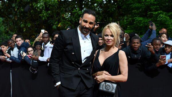 Adil Rami avec Pamela Anderson - Sputnik France