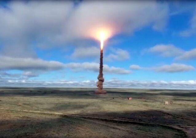 Tir d'un missile antibalistique russe depuis un polygone du ministère russe de la Défense