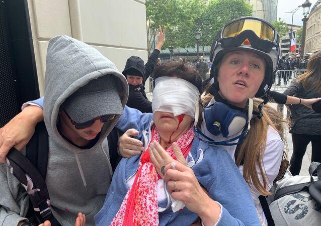 Tensions aux abords des Champs-Élysées (14 juillet), des blessés