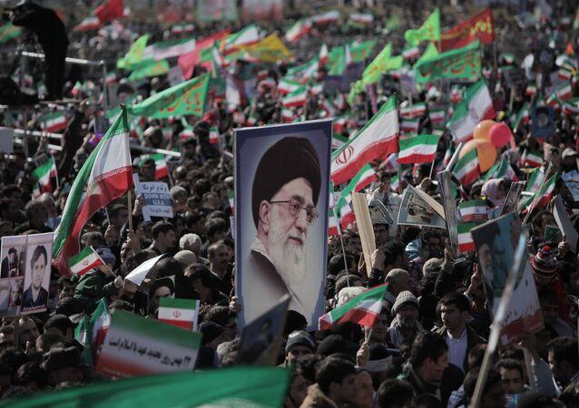 Téhéran: célébrations de l'anniversaire de la révolution islamique, 2012