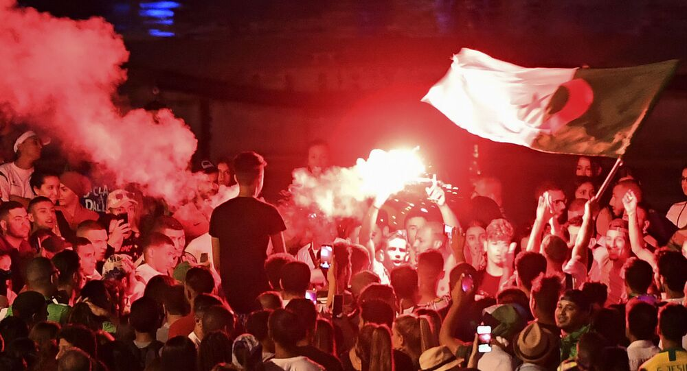 Des échauffourées  à Marseille après la qualification de l'équipe de football d'Algérie pour la finale de la CAN