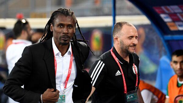 Djamel Belmadi et Aliou Cissé en CAN 2019 - Sputnik France