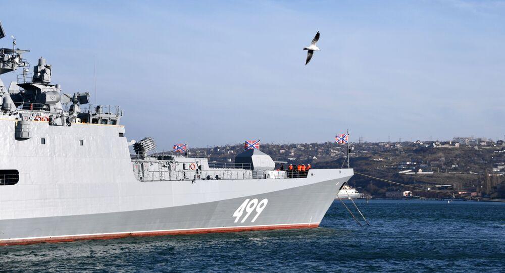 La frégate Amiral Makarov à Sébastopol