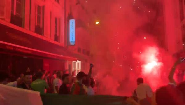 Une rue de Paris après la victoire de l'Algérie en finale de la CAN - Sputnik France