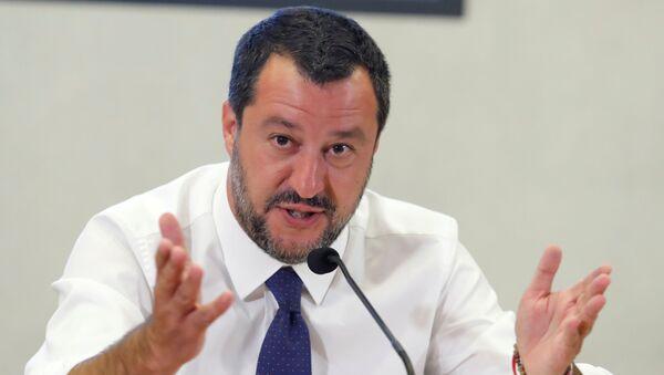 Italiens Vize-Minister Matteo Salvini bei der Pressekonferenz - Sputnik France