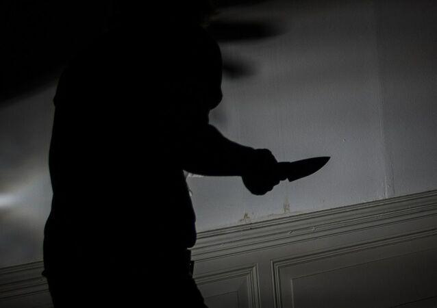 Homme avec un couteau