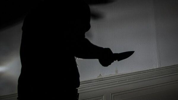 Homme avec un couteau - Sputnik France
