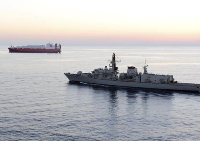 La frégate britannique HMS Montrose
