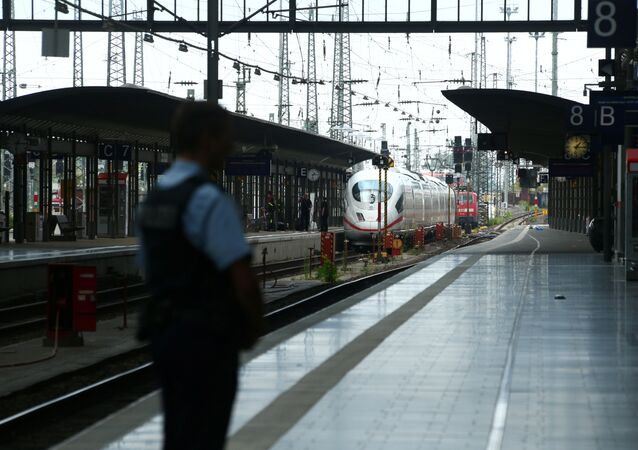Police à la gare de Francfort-sur-le-Main
