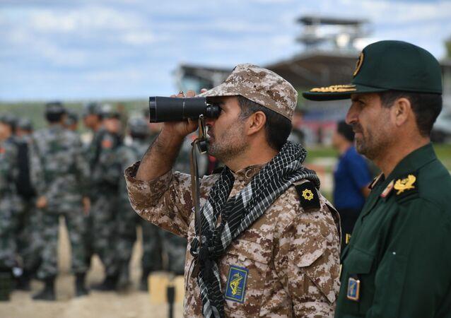Des militaires iraniens sur le polygone russe d'Alabino