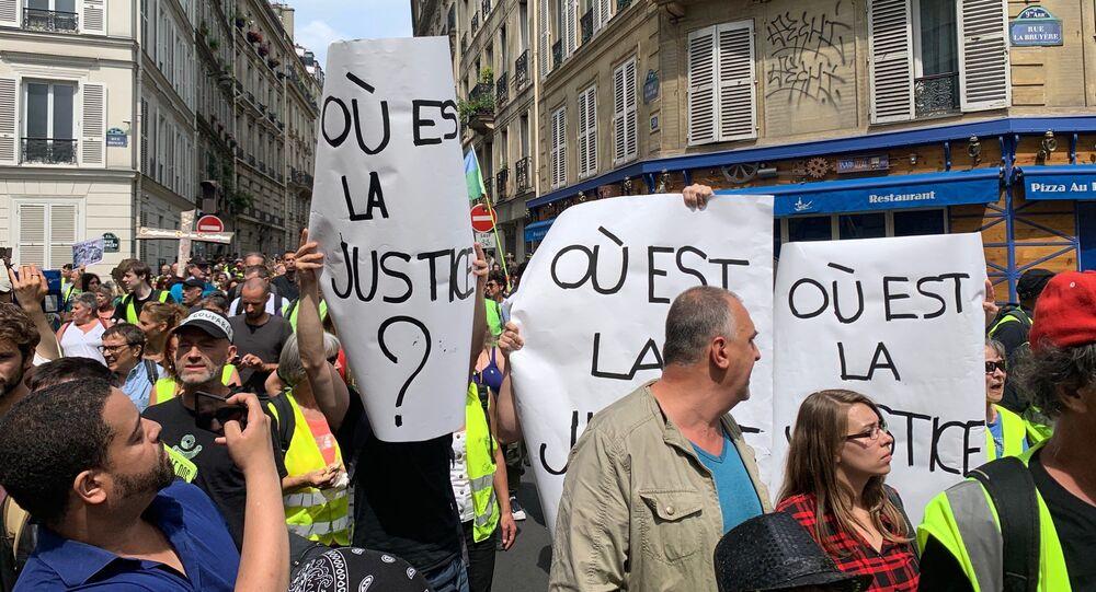 Gilets jaunes à Paris. Archives
