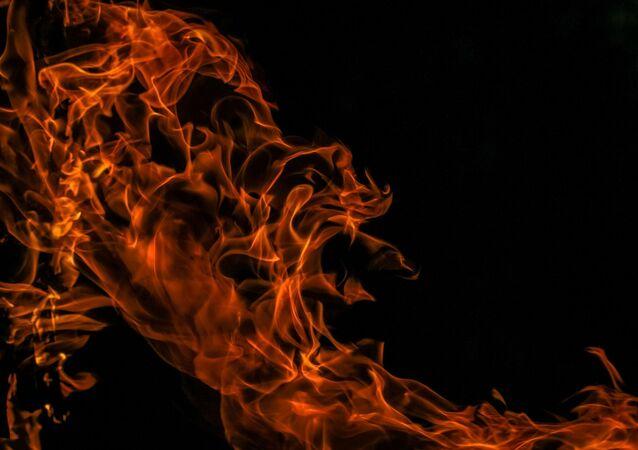 Des flammes (une image d'illustration)