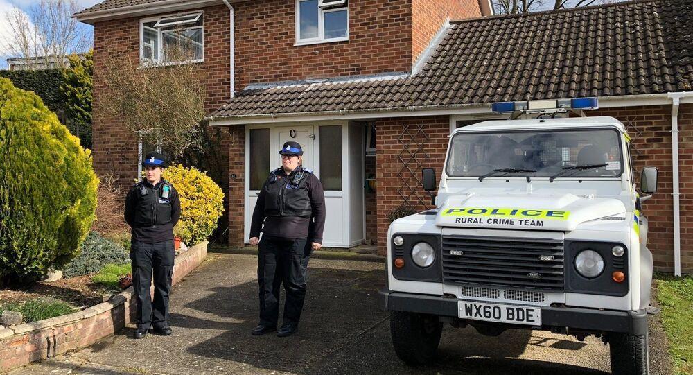 Police devant le domicile des Skripal à Salisbury
