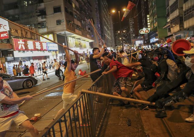 Des affrontements à Hong Kong