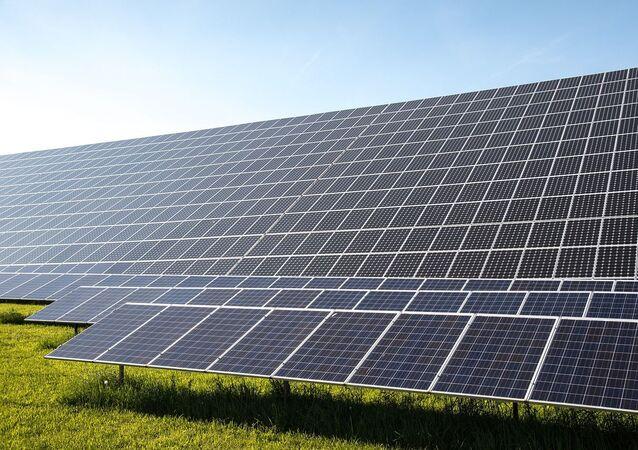 Panneaux solaires, image d'illustration