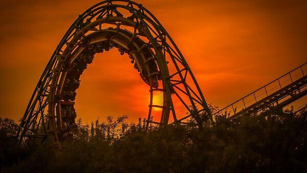 une attraction un parc d'attractions аттракцион парк аттракционов - Sputnik France