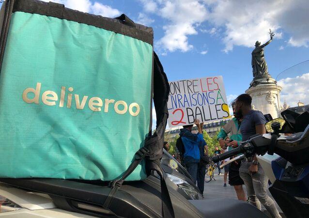 Livreurs de Deliveroo lors d'une grève à Paris