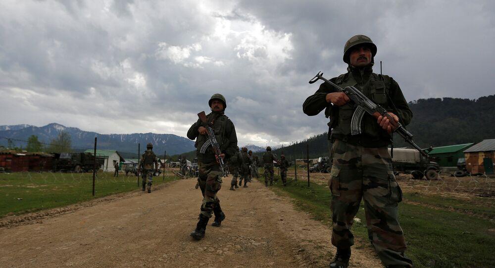 militaires indiens au Cachemire