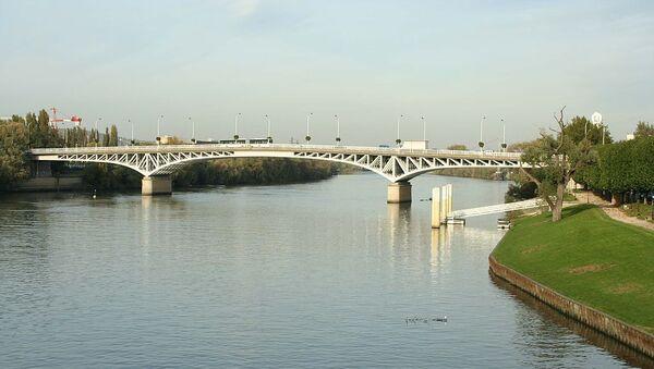 Pont de Poissy sur la Seine - Yvelines (France) - Sputnik France