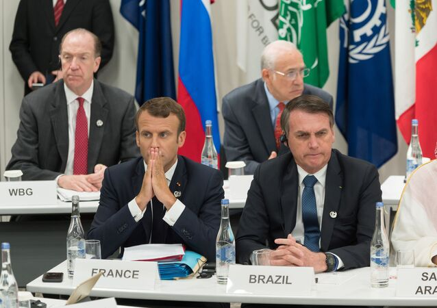 Emmanuel Macron et Jair Bolsonaro lors du sommet G20 à Osaka