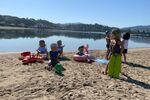 Oxfam se demande si les chefs d'État sont venus pour lutter contre les inégalités ou pour profiter de la plage?!