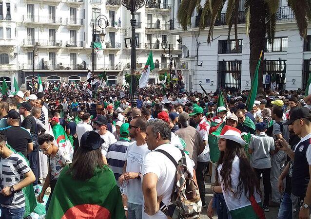 Manifestations anti-pouvoir à Alger, le 5 juillet 2019