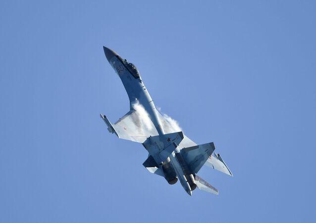 Su-35  (image d'illustration)