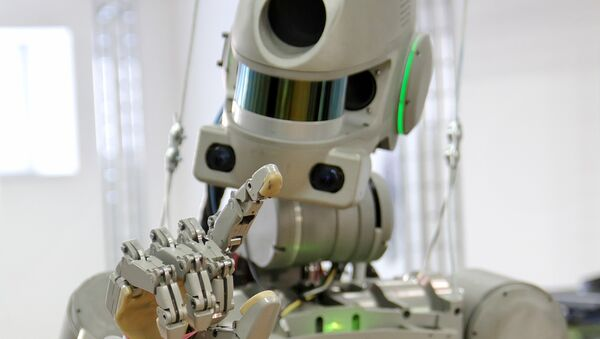 Testing the FEDOR (Final Experimental Demonstration Object Research) antropomorphic robot for the Spasatel rescue project, at a lab of Android Technics in Magnitogorsk. (File) - Sputnik France