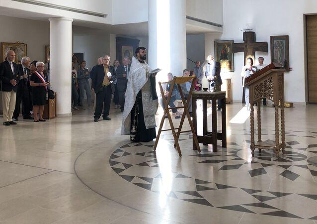 Dans la Cathédrale de la Sainte-Trinité à Paris,  une messe orthodoxe mémorielle pour le souvenir des victimes d'acte terroriste à Beslan