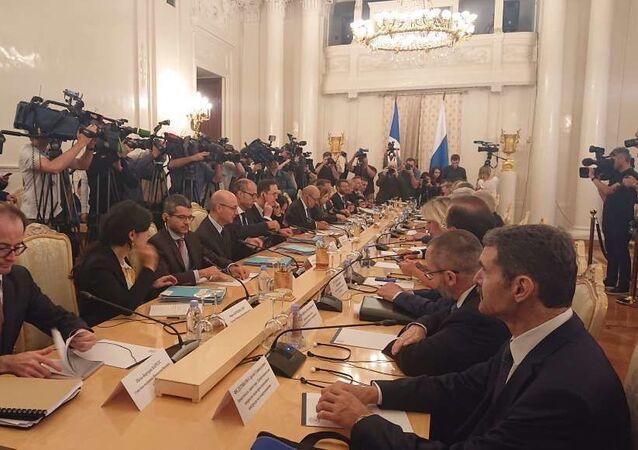 Parly et Le Drian rencontrent à Moscou leurs homologues russes