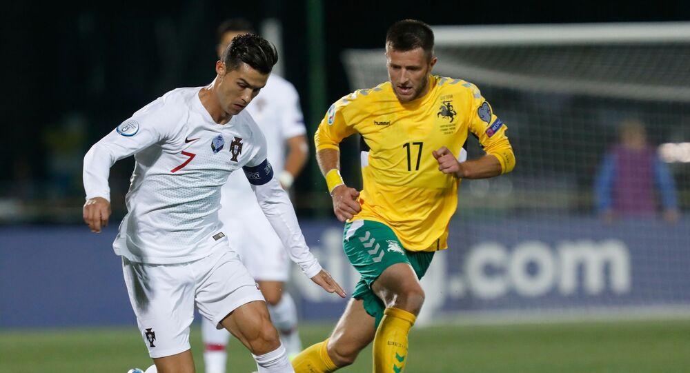 Cristiano Ronaldo lors du match Portugal-Lituanie