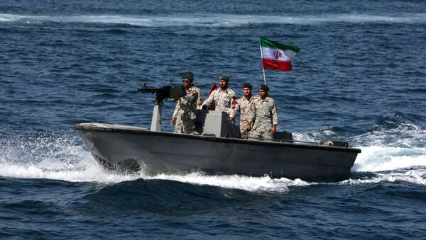 Iranian soldiers take part in the National Persian Gulf day  in the Strait of Hormuz, on April 30, 2019 - Sputnik France