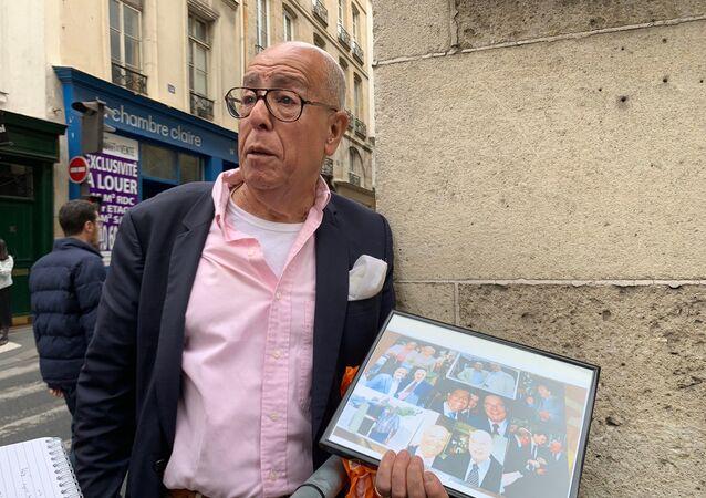 Des gens viennent rendre hommage à Jacques Chirac, 26 septembre 2019
