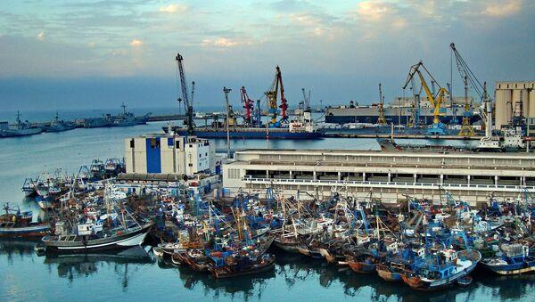 Le port commercial de Casabalnca - Sputnik France