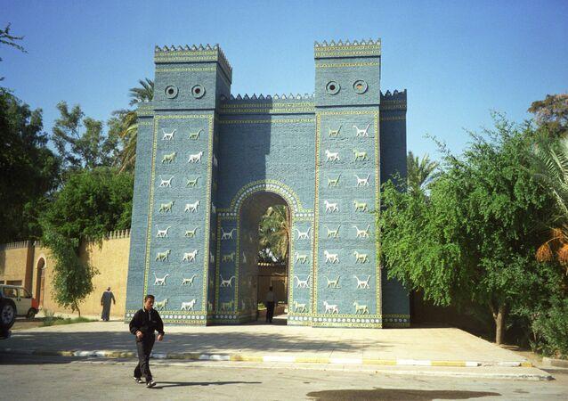 Sur le site de Balylone, en Irak