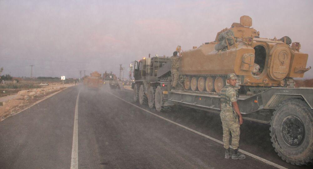 Troupes turques à la frontière syriennes