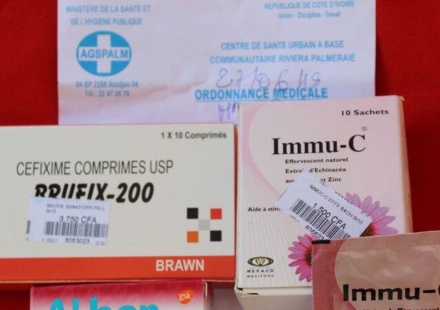 Des médicaments et une ordonnance médicale