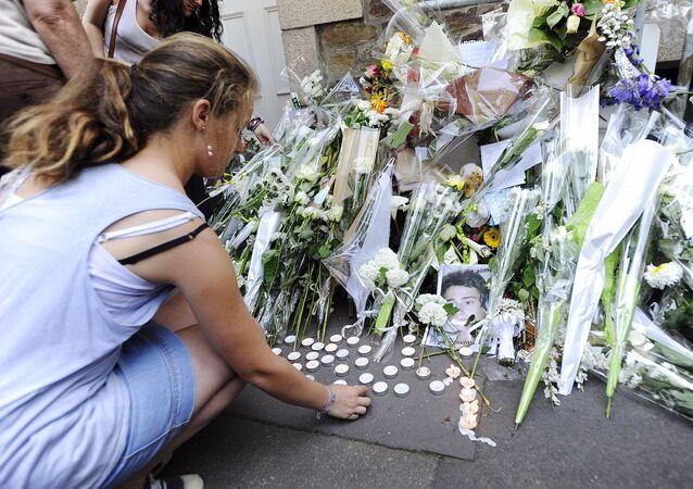 Les images de funérailles de la famille de Xavier Dupont en 2011