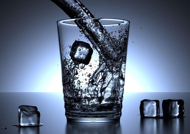 Un verre d'eau (image d'illustration)