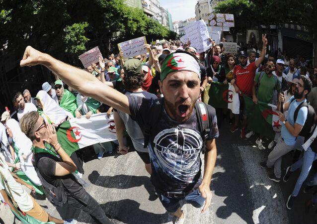Manifestants du Hirak, Algérie, image d'illustration