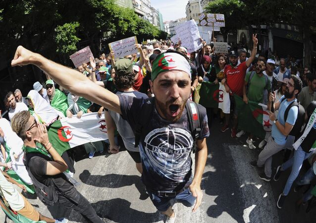 Manifestants du Hirak, Algérie, image d'illustration