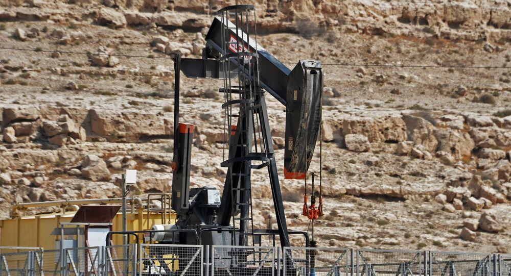 Un puits de pétrole (image d'illustraiton)