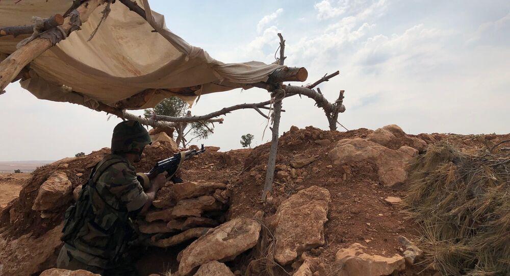 Une ligne fortifiée à Minbej en Syrie, le 19 octobre 2019