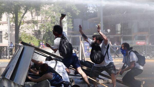 Manifestations contre le gouvernement chilien à Santiago - Sputnik France